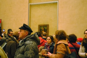 Trying to see the Mona Lisa